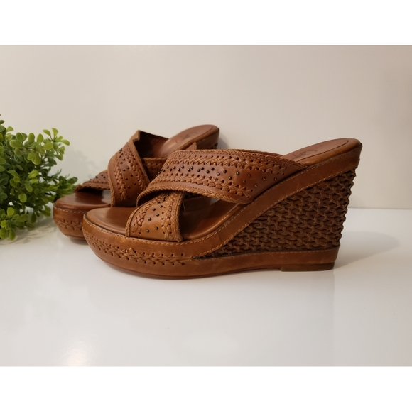 Frye - Sandals